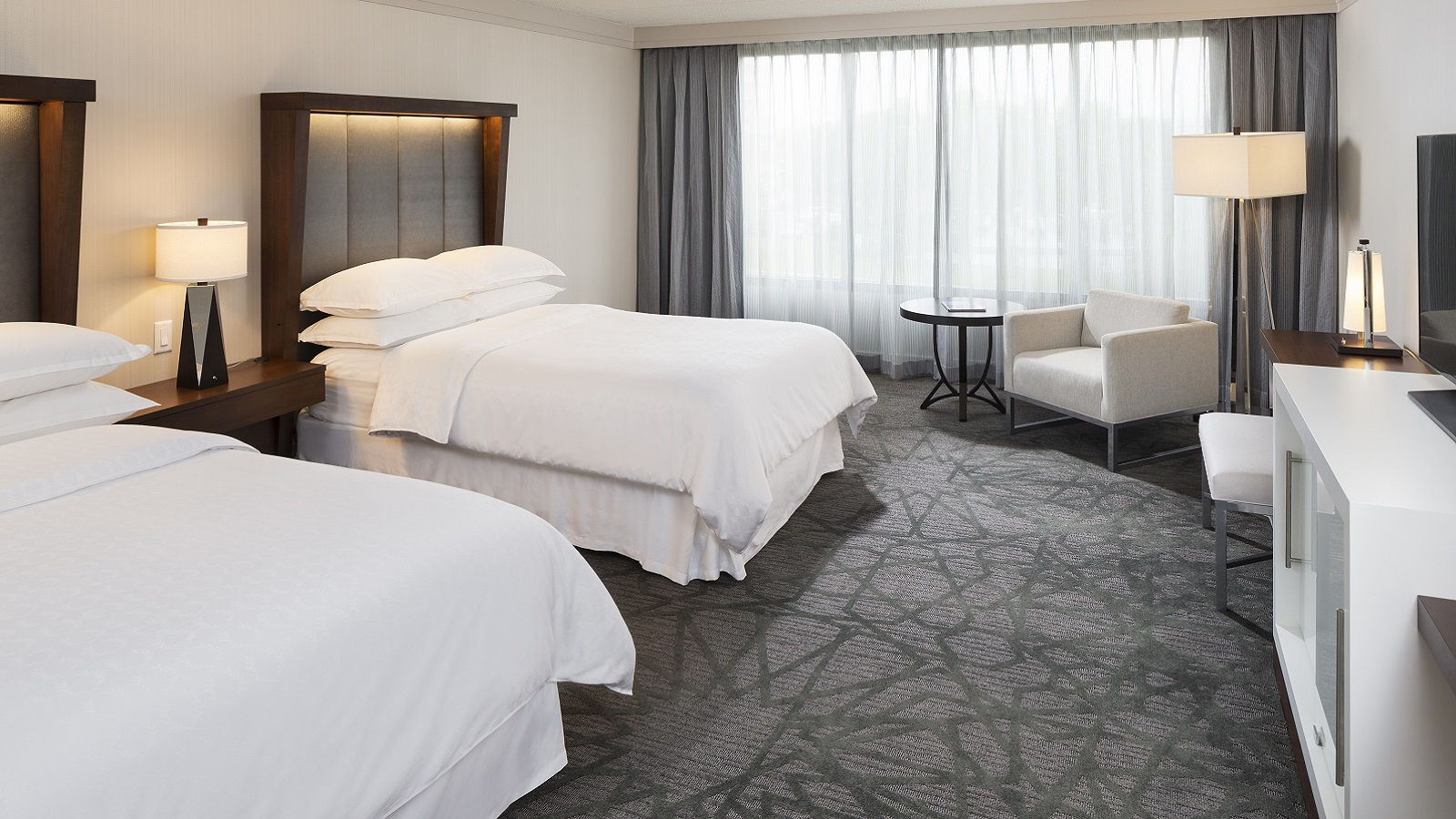 Sheraton Bloomington Hotel Accommodations | Traditional Double