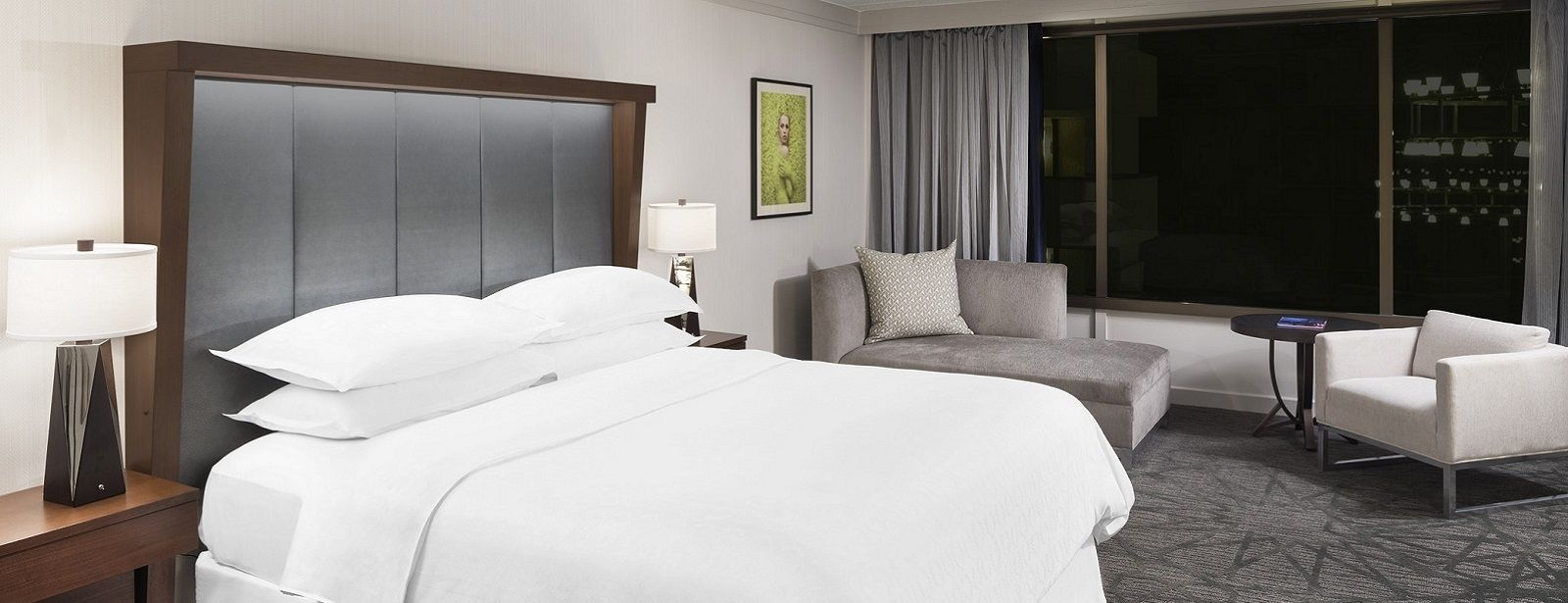 Sheraton Bloomington Hotel Accommodations | Club Suite